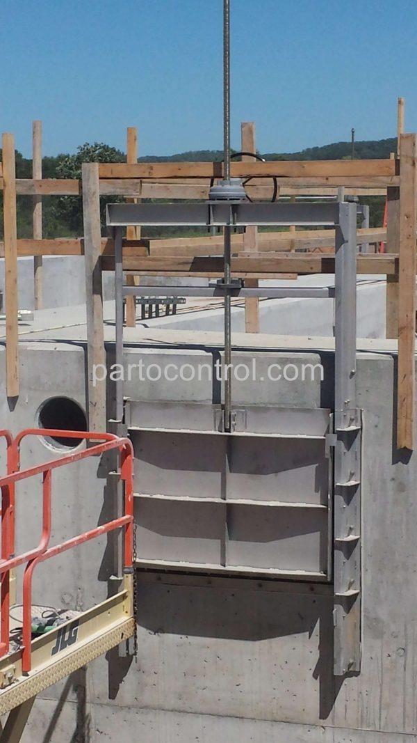 دریچه کشوییSliding valve scaled e1592034563850 - پروژه دریچه آب بند